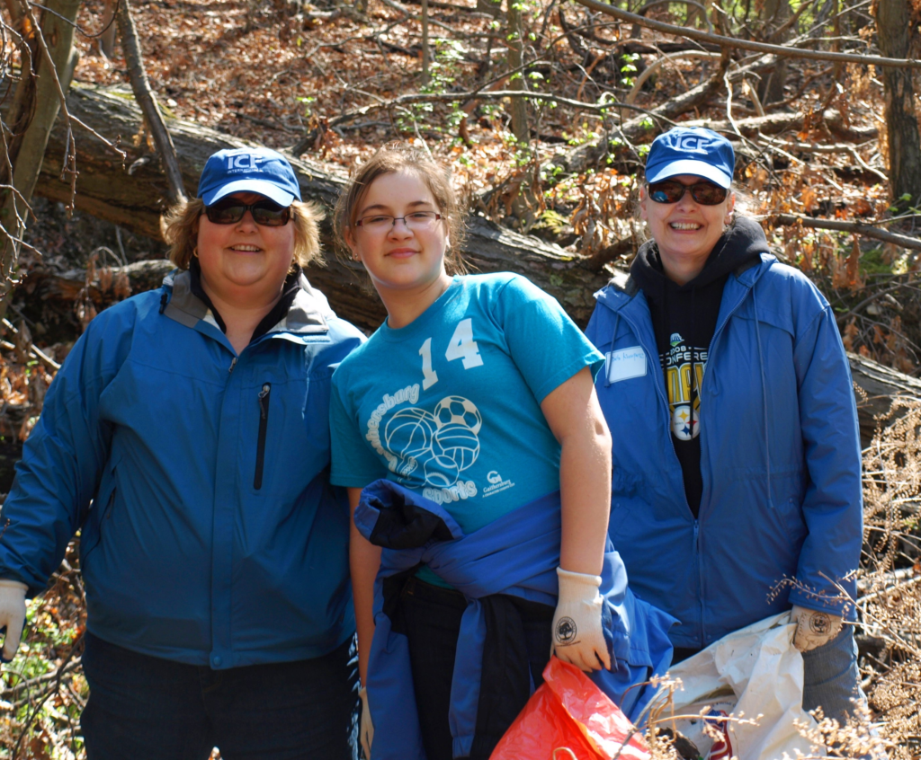 Family volunteering together.