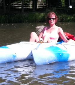 Lisa Feldt kayaking
