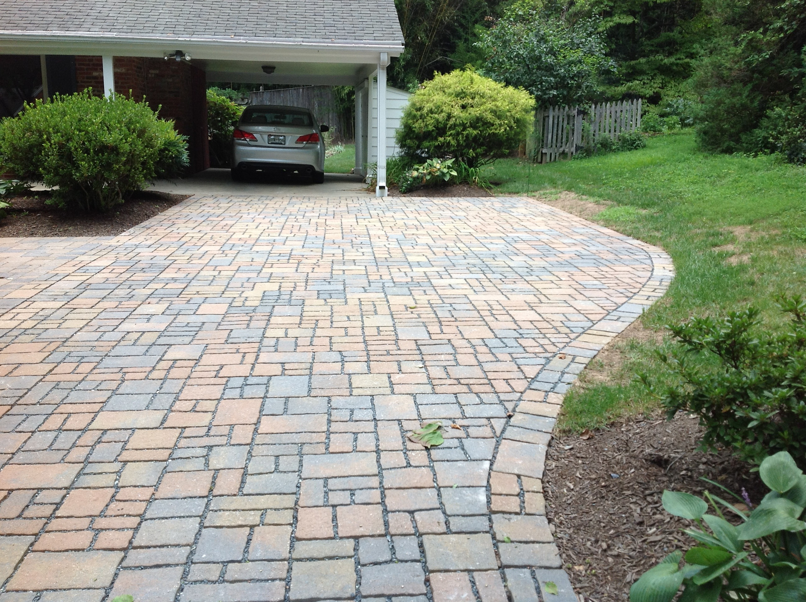 Permeable pavers curb pollution and look great too my for Green pavers