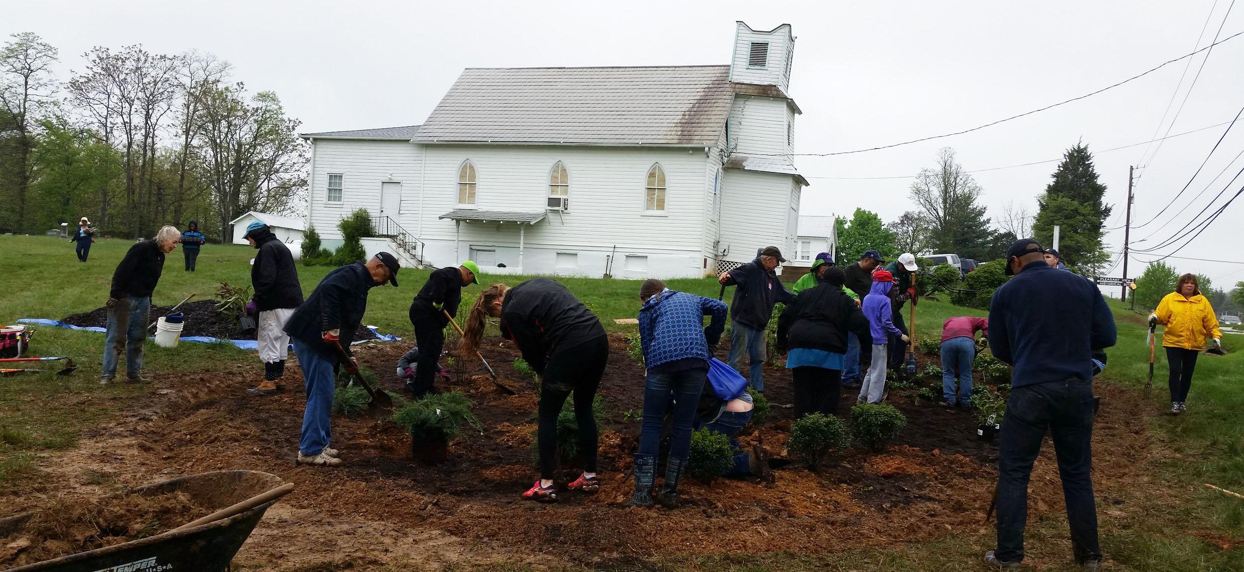 Pleasant View Historic Site restoration volunteers